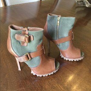 TORY BURCH Leather & Canvas Peep Toe Boot EUC